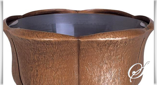 geschwungene grabschale aeste bronze. Black Bedroom Furniture Sets. Home Design Ideas