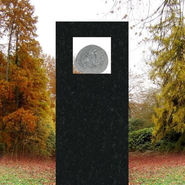 urnengrabstein cartus mit findling. Black Bedroom Furniture Sets. Home Design Ideas