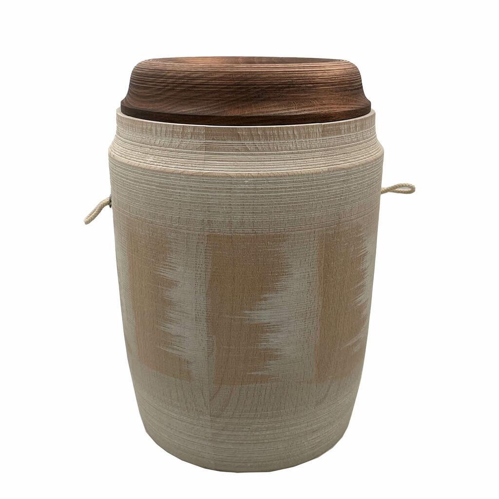 Besondere Urne Aus Holz Soma Serafinumde