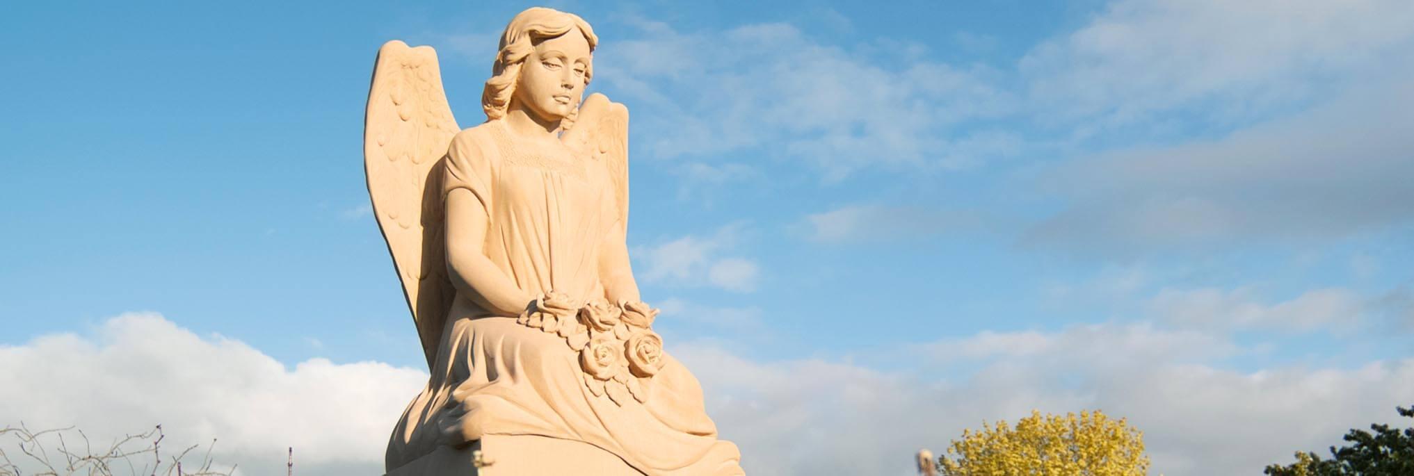 Engelgrabsteine|br|Einzigartig & Exklusiv, Wir bieten eine einzigartige Auswahl an|br|hochwertigen Motiv-Grabsteinen und|br|stilvollen Gedenksteinen mit Engeln, Madonnen oder Jesusfiguren|btn|Zu den Engel-Grabmalen