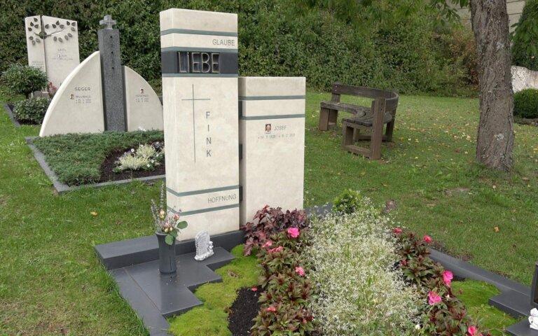 """Video-Vorstellung: Grabmal """"Listra Maxima"""" aus Kalkstein – Glaube  Liebe  Hoffnung"""