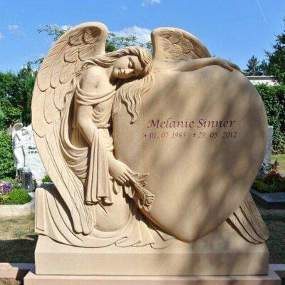 Besondere Grabsteine Einzelgrab: Engel-Gestaltung © Serafinum.de