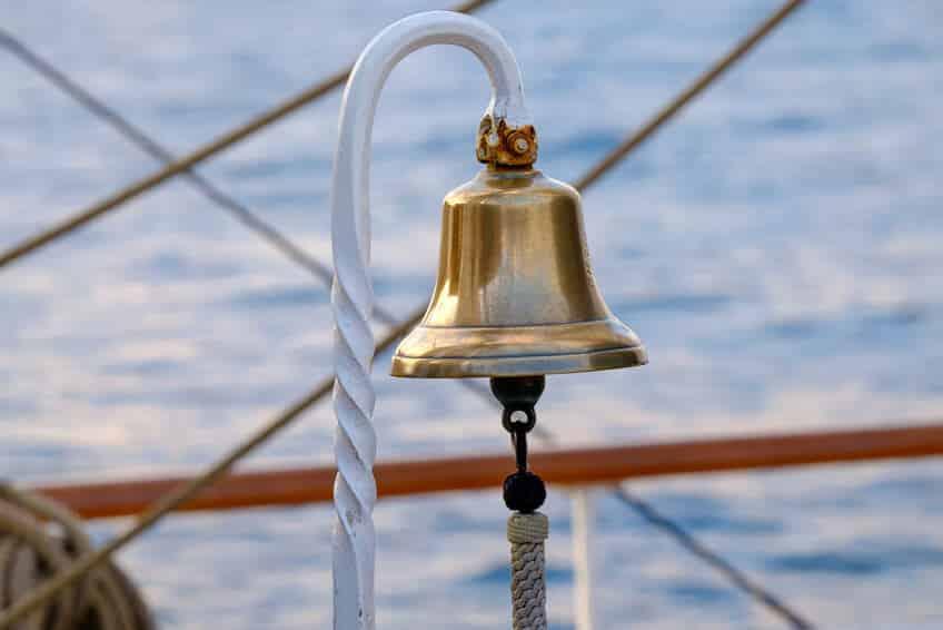 Seebestattung-Ablauf-Reederei-Glocke