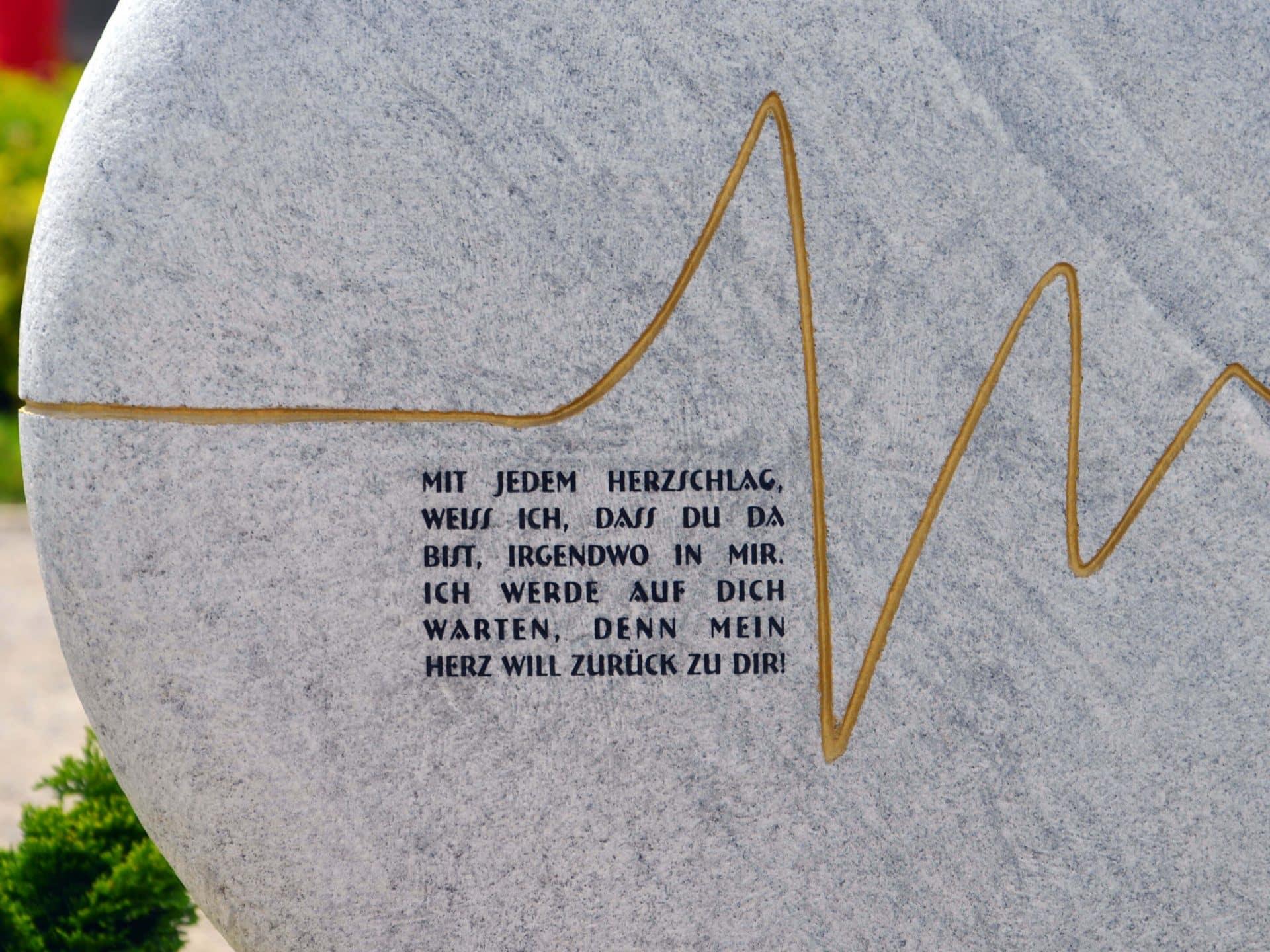 150 Ideen Für Schöne Grabinschriften Kurze Grabsteinsprüche