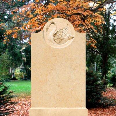Sandstein-Grabstein mit Schwanen-Symbol © Serafinum.de