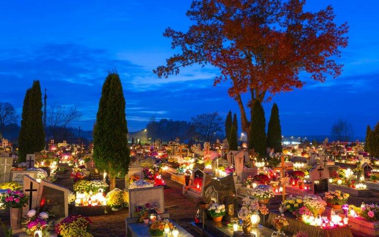 Grabgestaltung im Herbst – Beispiele & Bilder