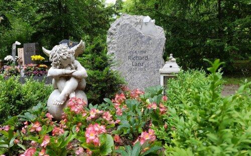 Grabstein Kosten & Preise für Grabplatte  Einfassung uvm.