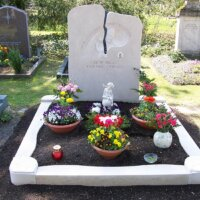 Grabgestaltung mit Grabschalen