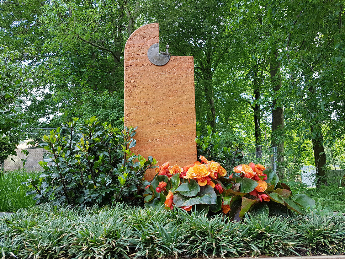 Moderner Grabstein