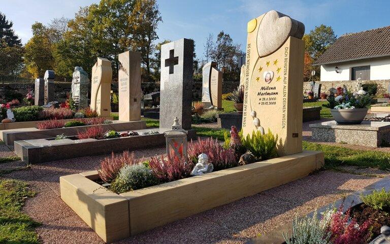 Grabeinfassung & Grabumrandung für Doppel-  Einzel- & Urnengrab